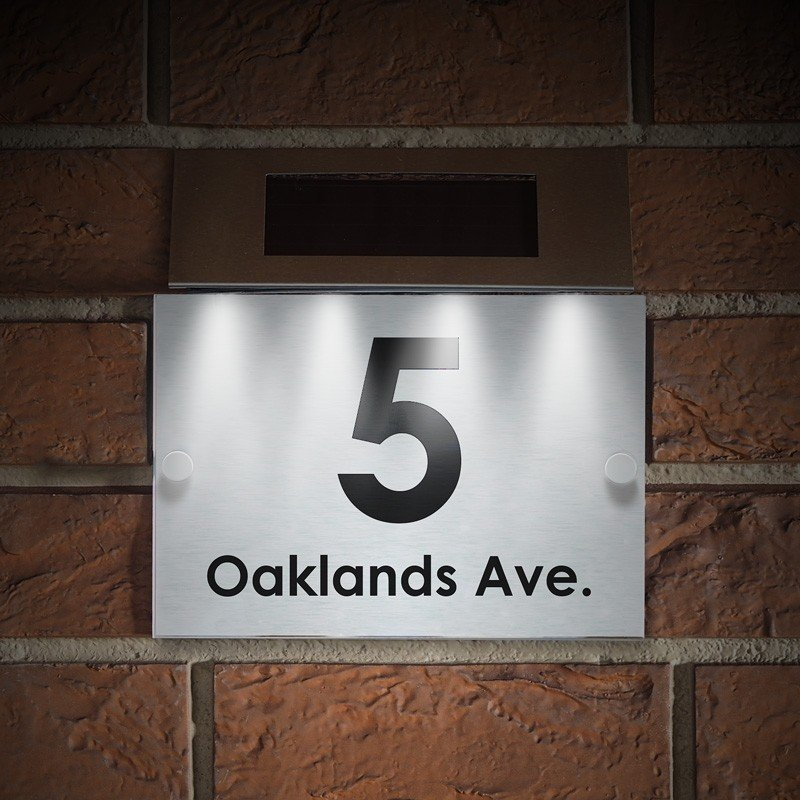 Oaklands With Solar Light