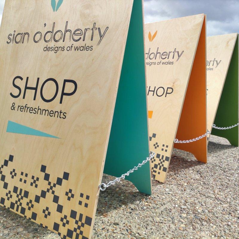 Wooden Pavement Sign Colourwave